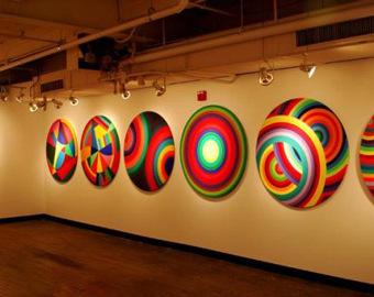 round-canvas-stretcher-display-s