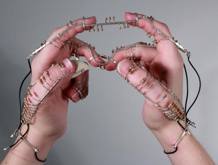 080078d4f1bfb2e9f5599b4fd032b970--sensory-art-jewelry-art
